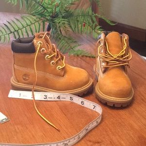 Timberland Boots size 6M IN VERY GOOD SHAPE
